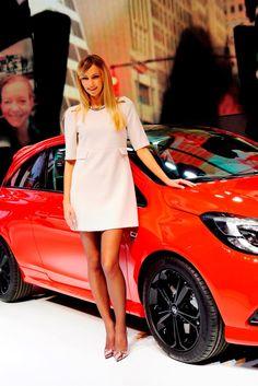 Paris 2014 Motor Show Girls Mega Gallery!