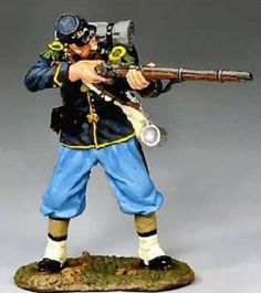 Civil War Union CW029 Rifleman Standing Firing - Made by King and Country Military Miniatures and Models. Factory made, hand assembled, painted and boxed in a padded decorative box. Excellent gift for the enthusiast.