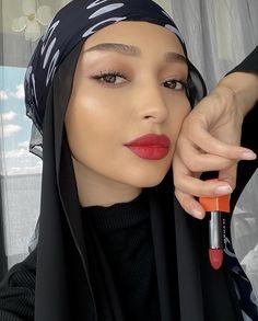 Modest Fashion, Hijab Fashion, Modern Hijab, Macbook Skin, Modest Dresses, Makeup Inspiration, Makeup Looks, Casual Outfits, Hair Color