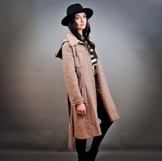 Welcome to the Cult Collective Pdx Vintage 1970s Belted Wool Trenchcoat Perfect light tan/cocoa brown, buttons and self tying belt. Detachable