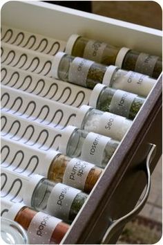 diy organizador Whaaat Ikea sells these spice drawer holders Ohhh yeah.I see an Ikea visit in my near future! Ikea Spice Rack, Spice Storage, Spice Organization, Diy Kitchen Storage, Kitchen Drawers, Diy Storage, Storage Ideas, Organizing, Spice Rack In Drawer