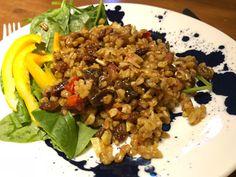 Matvete med russin, torkade aprikoser och salta mandlar Grains, Rice, Food, Salta, Bulgur, Essen, Meals, Seeds, Yemek