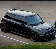 Mini Cooper Custom, Mini Cooper S, Mini One, All Cars, Car Wrap, Mens Clothing Styles, Mens Sweatshirts, Cars And Motorcycles, Dream Cars