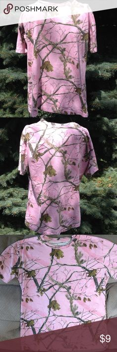 """Short sleeve Lady Bell pink camo t shirt Gently worn. Stretchy Cotton & polyester. Length is 23"""", across front is 20"""". Lady Bell Tops Tees - Short Sleeve"""