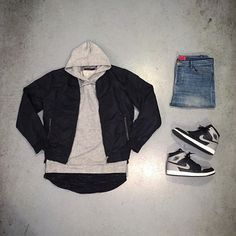This outfit is clean, Using the air Jordan 1 they made it vintage. Although with any other shoe it could be any other style. Goes to show that shoes define the outfit