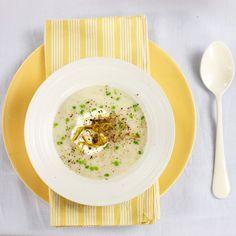 Vichyssoise   #ReceitaPanelinha: Sopa no verão, sim senhor! A clássica vichyssoise é servida fria e tem um sabor suave que combina com a estação.