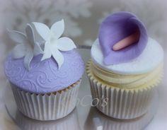 jasmine and cala lily cupcake   da Coco's Cupcakes Camberley