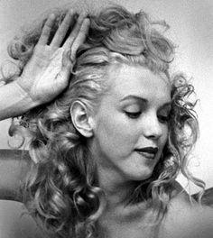 Andre de Dienes #1949 #Marilyn Monroe  ♥✿´¯`*•.¸¸✿♥✿´¯`*•.¸¸✿♥✿´¯`*•.¸¸✿♥✿´¯`*•.¸¸✿♥✿´¯`*•.¸¸✿
