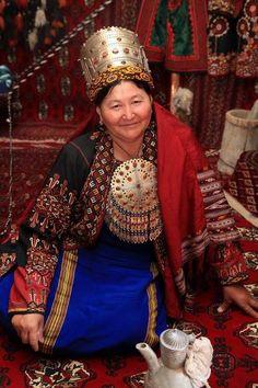 The Turkmen Woman with Traditional Costume || Egyn Eşikli,Şaý Seply,Tüýs Türkmen…
