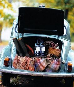 picnic styling - use a vintage car/ camper van? for lunch or salads chapter?