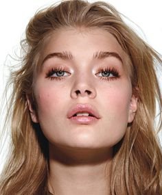 Perfect Makeup: 8 Super-Easy Steps for Looking Flawless--Fast! - Step 7: Add Some Definition For more intensity, rim your upper lash lines with a brown liner pencil and smudge it upward with your shadow brush. - @Holly Richer