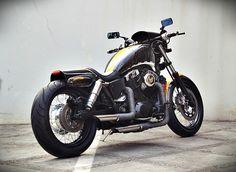 honda shadow 1100 Honda Shadow 1100, Honda Bikes, Cool Motorcycles, Custom Wheels, Hot Rides, Automotive Art, Vintage Bikes, Marvel Heroes, Vintage Yellow