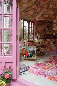 Beautiful Artisan Retreats by Kaffe Fassett and Orla Kiely at the RHS Chelsea Flower Show - Einrichtungsstil Chelsea Flower Show, Estilo Kitsch, Deco Originale, Deco Boheme, Hipster Decor, Bohemian Decor, Boho Chic, Gypsy Decor, Bohemian House