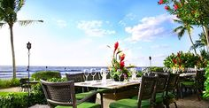 What's more perfect than honeymoon brunch in paradise? | Honeymoons.com