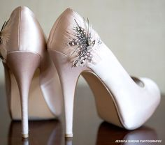 Classy neutral heels with feather detail