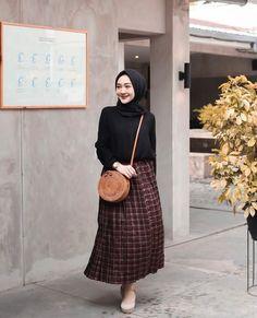 17 Ideas For Style Inspiration Hijab Hijab Casual, Hijab Chic, Ootd Hijab, Modern Hijab Fashion, Street Hijab Fashion, Muslim Fashion, Hijab Mode Inspiration, Style Inspiration, Hijab Fashionista