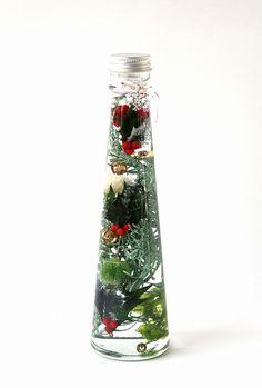 クリスマスハーバリウム 赤&緑 3個セットLED電飾付き Voss Bottle, Water Bottle, Interior Paint Colors For Living Room, Bath Salts, Dried Flowers, Centerpieces, Christmas, Painting, Crafts