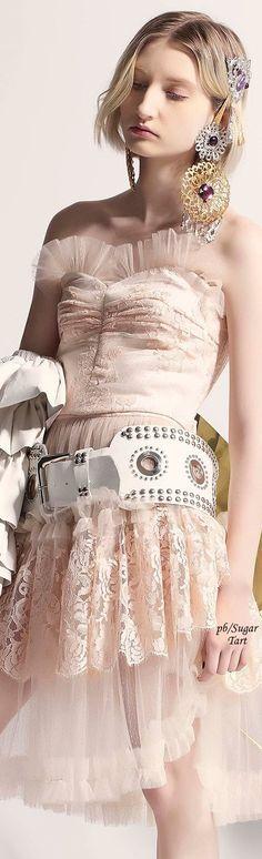 Rodarte - Fall 2017 - Big belt and jewelry -