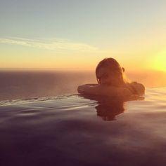 Karlie Kloss piscine Big Sur Californie http://www.vogue.fr/mode/mannequins/diaporama/linterview-green-de-karlie-kloss-conseils-healthy-lifestyle-de-top/31047#linterview-green-de-karlie-kloss-conseils-healthy-lifestyle-de-top-1