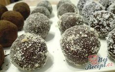 İdeen Easy Cake Universal yoghurt yeast dough for everything (pizzas, cakes, etc. Cake Pops Recept, Sweet Recipes, Cake Recipes, German Cookies, Pizza Cake, Hungarian Recipes, Sweet And Salty, Christmas Candy, Toblerone