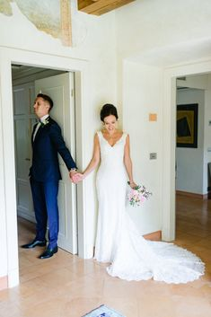 Destination Wedding - Mitä ottaa huomioon? Italy Wedding, Formal Dresses, Wedding Dresses, Destination Wedding, Fashion, Bridal Dresses, Moda, Bridal Gowns, Formal Gowns