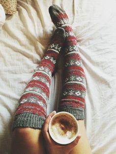 Christmas knee socks | El Lacasito Rosa, December 2013