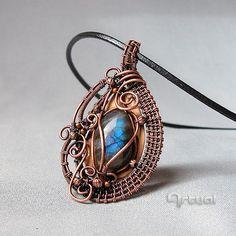 Wire wrapped pendant wire jewelry Labradorite pendant by Artual
