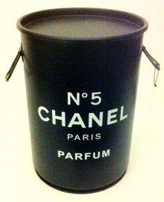 Chanel n. 5 - Tampa removível e alças. M