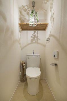 トイレをもっとステキ空間にしよう♡真似したいトイレのインテリア集 - NAVER まとめ Bathroom Toilets, Washroom, Toilet Room, Toilet Paper, Surf Style, Living Spaces, Interior Design, House, Home Decor