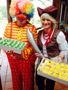 Cup cake day at Bago vineyards with Cheryl the pirate & Ian the clown Cake Day, Bago, Cheryl, Wine Recipes, Ronald Mcdonald, Character, Food, Essen, Meals