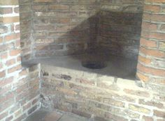 The picture shows one of the Tudor toilets at Gainsborough - one of the places where Henry VIII's 5th Queen, Catherine, admitted to meeting with her lover Culpeper, on the progress with the King around the North, other places they met were Lincoln and Pontefract. There are also renovated Tudor loos on view (but not for use!) at Tattershall castle.
