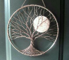 Soothing Tree Wire Tree of Life Wall Hanging by HomeB .- Beruhigender Baum Draht Baum des Lebens Wandbehang von HomeBabyCrafts Soothing Tree Wire Tree of Life Wall Tapestry by HomeBabyCrafts - Wire Trees, Creation Deco, Wire Crafts, Moon Crafts, Wire Art, Beads And Wire, String Art, Metal Art, Wire Jewelry