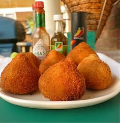 wanting brazilian coxinha soooo bad right now, seriously the best thing ever