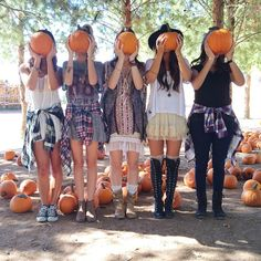 Took our cute #bloguettes interns out of the office for a pumpkin patch photoshoot! #bloguettesfieldtrip