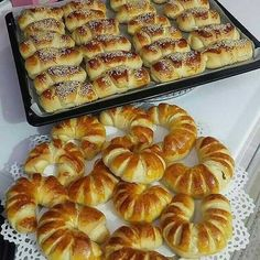 Pizza Pastry, Georgian Cuisine, Cheese Pies, Cooking Recipes, Healthy Recipes, Bread And Pastries, Breakfast Time, Greek Recipes, Finger Foods
