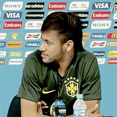 Tudo Passa Neymar Pic, Good Soccer Players, Jay Park, Play Soccer, True Quotes, My Hero, Jr, Laughter, Gifs