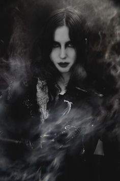 Chelsea Wolfe announces new album Abyss