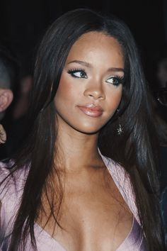 Rihanna at age Rihanna Makeup, Rihanna Riri, Rihanna Style, Beyonce, Young Rihanna, Rihanna Face, Moda Rihanna, Jenifer Lawrence, Saint Michael