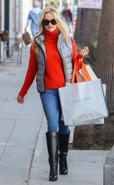 Reese Witherspoon from The Big Picture: Today's Hot Pics These boots were made for shopping! The Oscar winner enjoys a bit of retail therapy in Venice, Calif. Source by casual femenina para bajitas Casual Outfits, Cute Outfits, Fashion Outfits, Fashion Vest, Casual Wear, Fall Winter Outfits, Autumn Winter Fashion, Winter Style, Fall Fashion