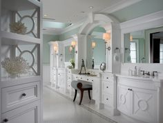 Sophisticated Key West Style eclectic bathroom