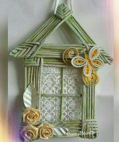 Casetta  fatta con cannucce di giornale e fiori quilling.  RosaMaietta