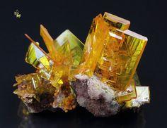 Quebul Fine Minerals / Fine quality collection minerals for sale