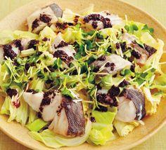 魚介でぐっとヘルシーに! うまみを含んだキャベツがおいしいメインディッシュ4選【2ページ目】 - レタスクラブ Cobb Salad, Camembert Cheese, Food, Hoods, Meals
