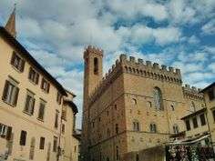 Museo Bargello de Florencia #Viajology Louvre, Building, Travel, Florence, Palaces, Buildings, Museums, Cities, Italy