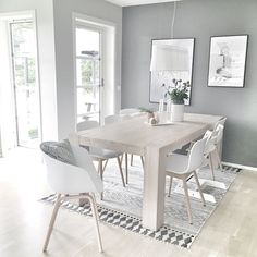 Dining room goals love the House Doctor block rug available online Dining Room Shelves, Kitchen Dinning Room, Dining Room Design, Dining Room Table, Kitchen Design, Home Interior, Interior Decorating, Interior Design, Room Goals