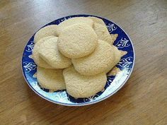 Mississippi Tea Cakes - one of my favorite cookie recipes Candy Recipes, Sweet Recipes, Cookie Recipes, Dessert Recipes, Southern Recipes, Vanilla Recipes, Southern Dishes, Southern Food, Bread Recipes
