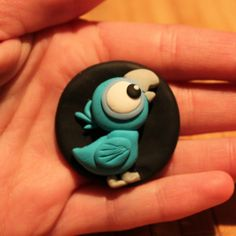 Reminds me of your baby bird Polymer Clay Figures, Polymer Clay Sculptures, Cute Polymer Clay, Polymer Clay Animals, Cute Clay, Polymer Clay Necklace, Fimo Clay, Polymer Clay Charms, Polymer Clay Projects