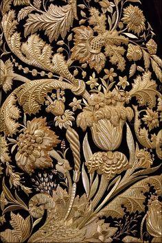 ALBUM... SEVILLA Zardozi Embroidery, Tambour Embroidery, Couture Embroidery, Gold Embroidery, Embroidery Fashion, Hand Embroidery Designs, Embroidery Dress, Embroidery Stitches, Embroidery Patterns