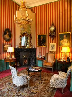 Laisser-faire style interior with rococo, Louis XV en Louis XVI period furniture and ' objets des arts'. Huys ten Docnk, The Netherlands