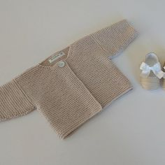 Diy Crafts - Simple Baby Cardigan Knitting pattern by Buzybee Baby Cardigan Knitting Pattern, Knitted Baby Cardigan, Baby Scarf, Baby Knitting Patterns, Baby Patterns, Baby Outfits, Baby Sweaters, Simple Outfits, Crochet Baby